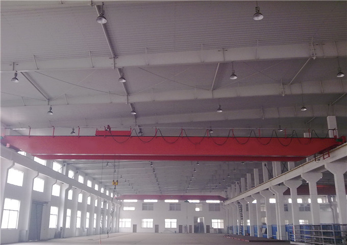 The quality of the double girder overhead crane is 25 tons high
